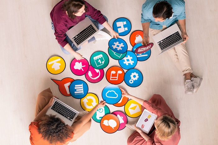 Działania w sieci warto prowadzić na szeroką skalę, wykorzystując wiele możliwych kanałów.